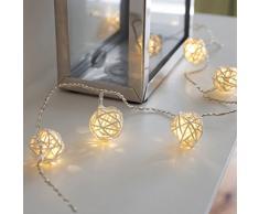 Guirnalda de 16 luces de LED de bolas de mimbre color crema de pilas de Lights4fun