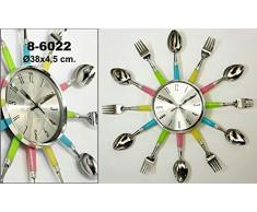 DonRegaloWeb - Reloj de cocina - Reloj de pared de metal y melamina decorado con cubiertos de cocina en color metálicos y mangos en diferentes colores.
