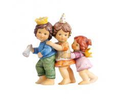 Goebel Porzellan 11739802 Nina & Marco - Figura decorativa (porcelana, altura de 11,5 cm), diseño de niños jugando