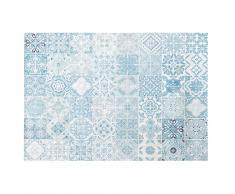 Alfombra de exterior blanca con motivos decorativos de baldosas de cemento azules 155x230